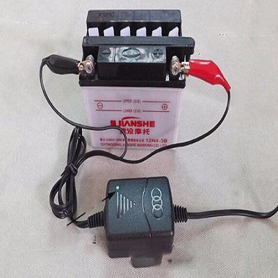 cargador-de-bateria-de-auto-juguete-2.jp